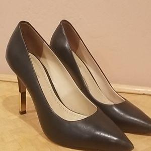 Pour la Victoire Black Leather Gold Heel Pumps